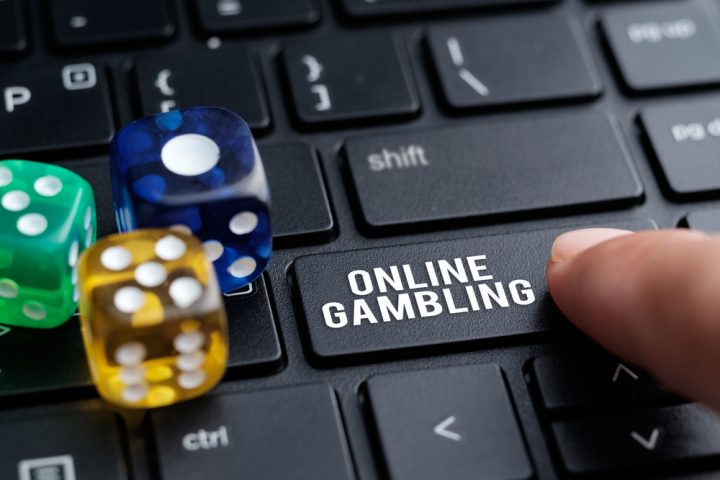 Why Go With Cost-free Casino Poker Gaming's