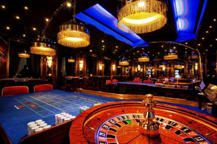 Find out how to Win Buddies And Affect People with Online Gambling